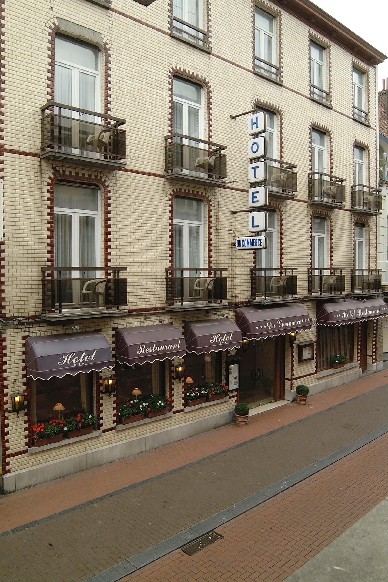 Hotel - Hotel Du Commerce